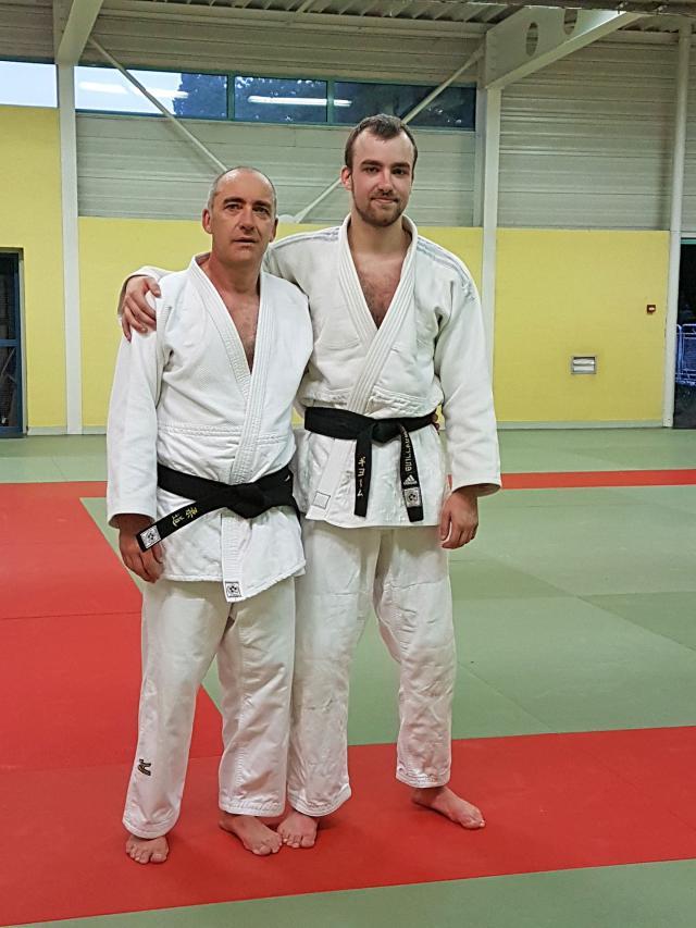 Remise de sa ceinture noire au Président du Judo Club Dourdan